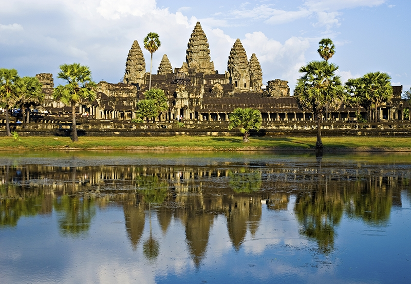 Colorful Phnom Penh and Angkor tour 5 days
