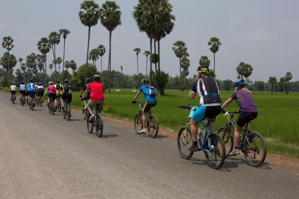 Full day biking tour (Angkor Wat)
